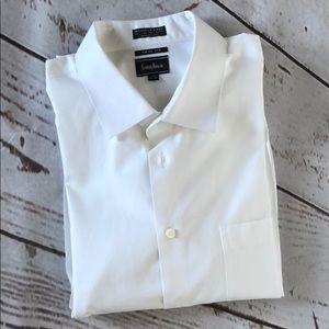 Neiman Marcus Men's Wrinkle Free White Shirt
